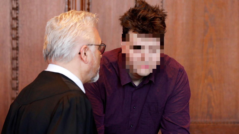 Ingo P., mit Anwalt Jürgen Pernet, schweigt.