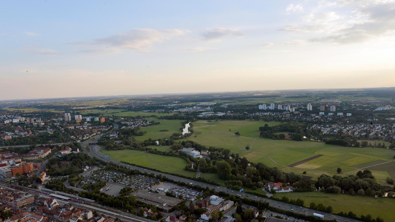 Das Luftbild mit Blickrichtung nach Westen zeigt den bislang