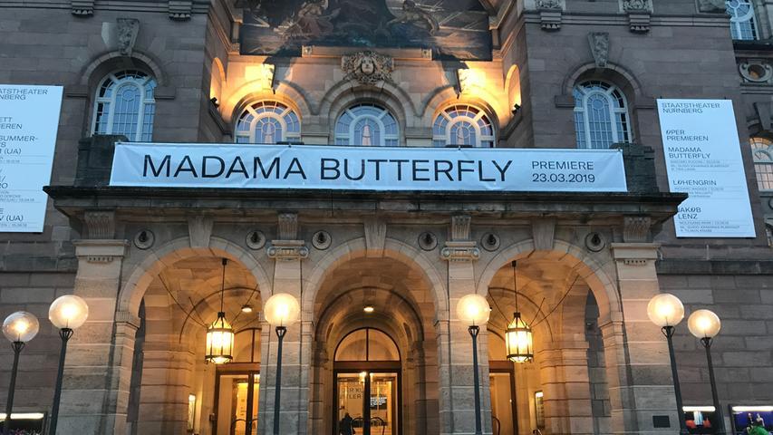 Das im Jahr 2010 generalsanierte Schauspielhaus und das 1905 errichtete Opernhaus (im Bild) zusammen locken jedes Jahr rund 275.000 Besucher an.