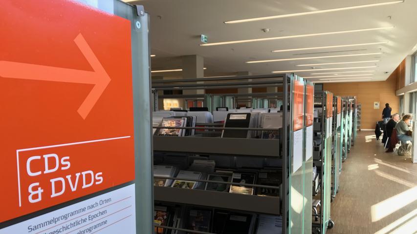 Mehr als 694.000 Bücher, Zeitschriften, Zeitungen, Noten, CDs und DVDs warten in der Stadtbibliothek auf Leser, Hörer und Zuschauer. Wer sich einen Überblick über das Angebot verschaffen will ...