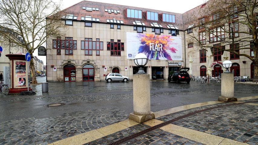 Wenn Franz-Josef-Strauß-Platz und Hallplatz abgehakt sind, soll das Areal zwischen Theater und Einkaufszentrum, inzwischen ein unansehnliches Flickwerk, neues Pflaster bekommen.