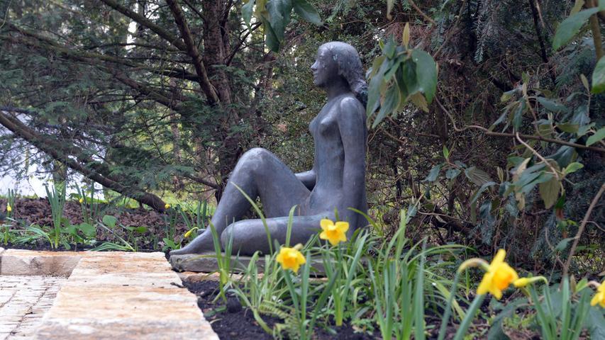 Es plätschert wieder! Sanierter Brunnen im Erlanger Skulpturengarten