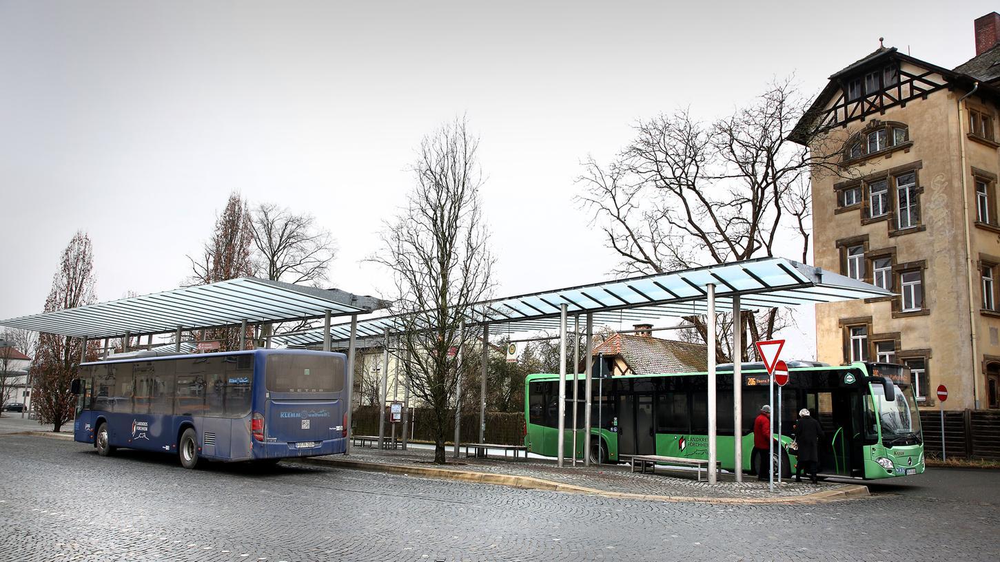 Mehr Menschen sollen in Forchheim mit dem Bus fahren. Bürgermeisterin Annette Prechtel (FGL) will hierfür die Linien ausbauen und den Takt verdichten.