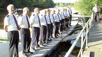 Der Shanty-Chor, Aushängeschild der Marinekameraden, umrahmte die Jubiläumsfeier mit Seemannsliedern.