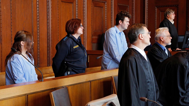 Sie wollen das Urteil nicht hinnehmen, ihre Anwälte legen Revision ein: Das Landgericht Nürnberg-Fürth hatte Stephanie und Ingo P. zu lebenslangen Haftstrafen verurteilt.