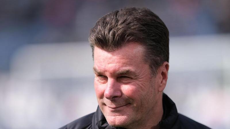 Wolfsburg, Gladbach, Hamburg: Drei Stationen und knapp acht Jahre nach seinem Abschied aus Nürnberg kehrt Dieter Hecking jetzt zurück an alte Wirkungsstätte - in neuer Funktion. Erstmals in seiner Karriere übernimmt der 55-Jährige das Amt des Sportvorstands und tritt somit die Palikuca-Nachfolge an. Wir blicken zurück auf seine Nürnberger Zeit.