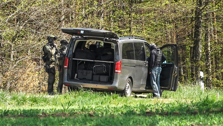 Auch Spezialkräfte waren bei dem Einsatz in Priesendorf vor Ort.