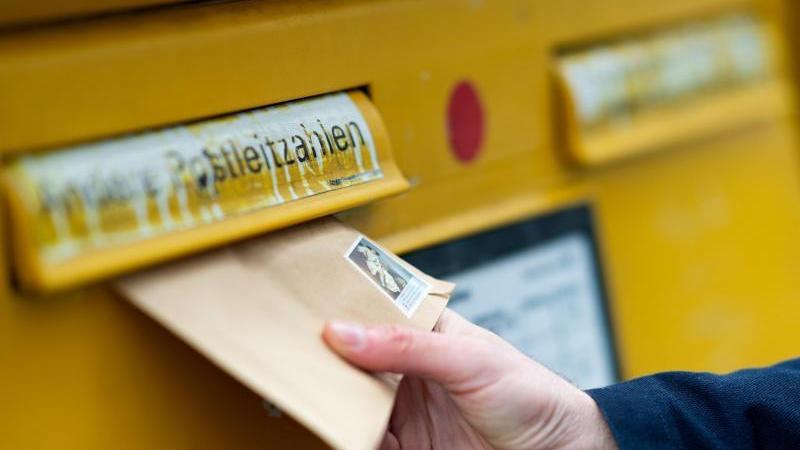 Die Deutsche Post hat Anfang Juli das Porto für Briefe erhöht.
