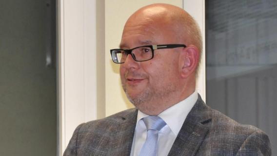 Mit Sachverstand, Herzblut, Gelassenheit und auch einer Prise Humor steht er seit vielen Jahren als ehrenamtlicher Bürgermeister im Dienste der Gemeinde Mitteleschenbach, will 2020 für den Posten aber nicht mehr kandidieren: Stefan Maul.