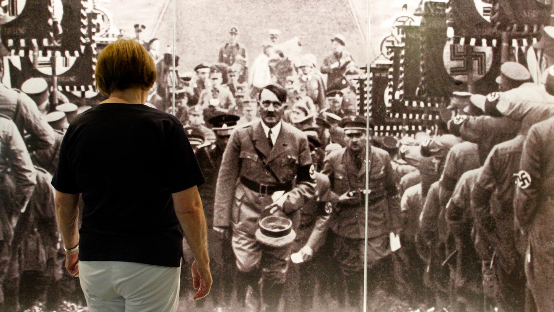 """Was die Deutschen nach Ansicht der Nationalsozialisten lesen sollten, veranschaulichte vor einigen Jahren die Ausstellung """"WortGewalt"""" im Nürnberger Dokumentationszentrum Reichsparteitagsgelände."""