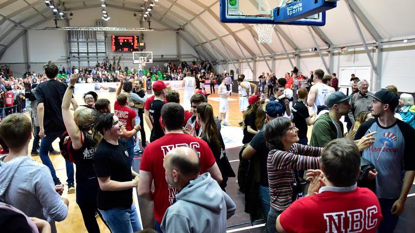 29.04.2019 --- Basketball --- Saison 2018 2019 - 2. Bundesliga Pro-A --- PO4: Nürnberg Falcons Basketball Club NBC - MLP Academics Heidelberg --- Foto: Sport-/Pressefoto Wolfgang Zink / OGo --- ..Symbolbild Symbolfoto Feature Impression - Zuschauer / Publikum / Fans des