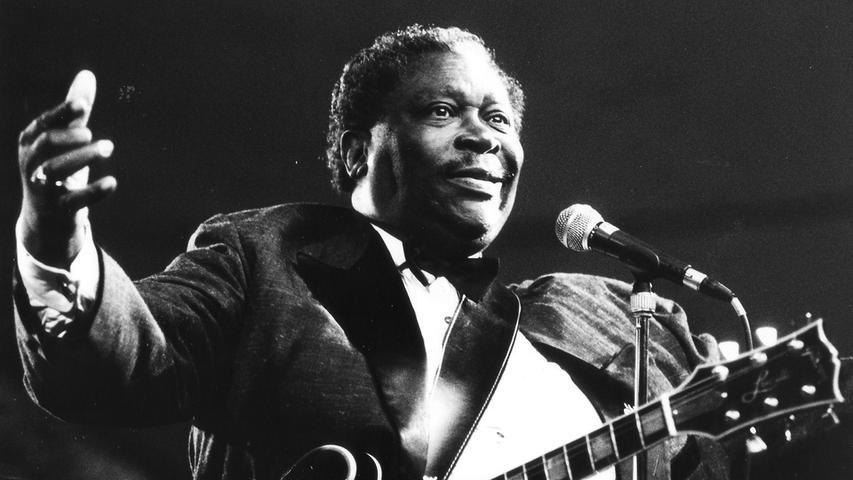 B. B. King in Aktion: das Bild stammt von einem Konzert aus dem Jahr 1992, doch die Massen hatte er bereits 1969 begeistert.Hier geht es zum Artikel vom 4. Mai 1969: Blow Up mit Blues.