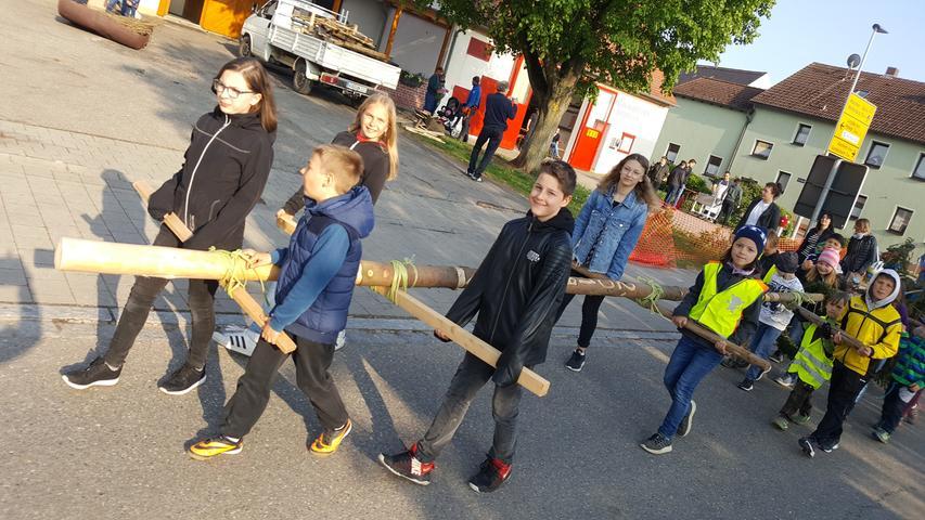 Eifrig waren die Jungen und Mädchen in Dornhausen bei der Sache.