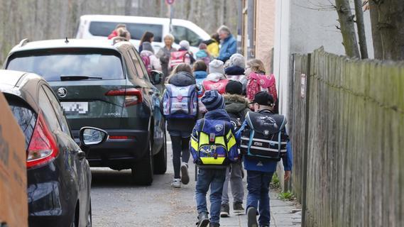 Von Straßenbeleuchtung getroffen: Kind auf Schulweg verletzt - Nordbayern.de