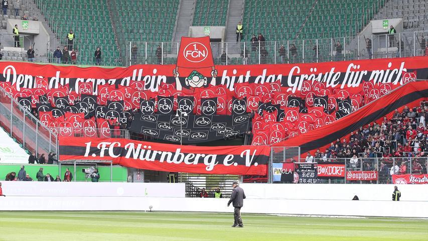 Zum 119. Geburtstag haben sich zahlreiche Club-Anhänger mit auf den Weg in die Volkswagen-Arena gemacht. Gemeinsam wollen sie ihren FCN zum Sieg tragen.