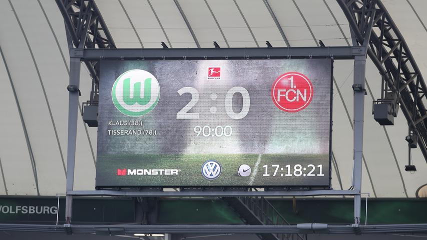 In den drei Minuten Nachspielzeit passiert nichts mehr, dann pfeift Schiedsrichter Daniel Siebert ab. Der Club verliert in Wolfsburg mit 0:2.