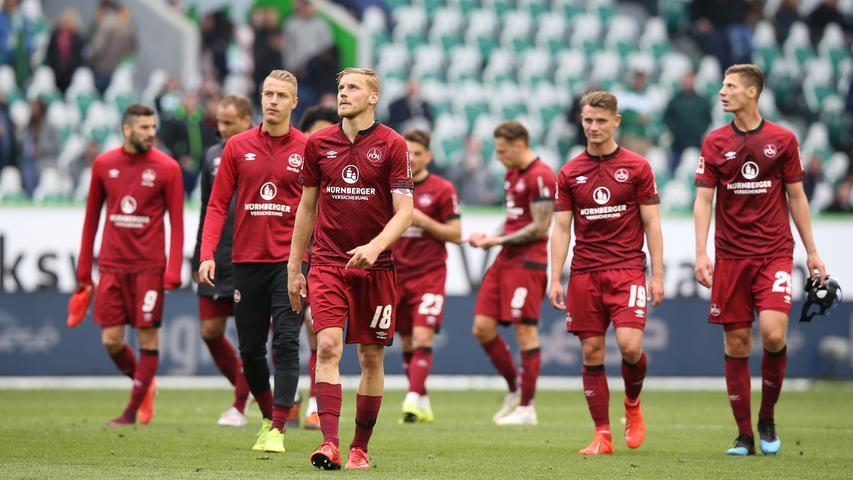 Jetzt muss der 1. FC Nürnberg seine letzten beiden Saisonspiele auf jeden Fall gewinnen und darauf hoffen, dass der VfB Stuttgart maximal einmal Unentschieden spielt, im besten Fall aber beide Spiele verliert.