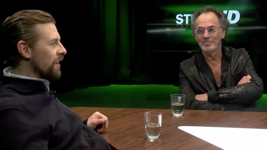 Showgrößen unter sich: Klaas Heufer-Umlauf (links) im Gespräch mit Hugo Egon Balder (