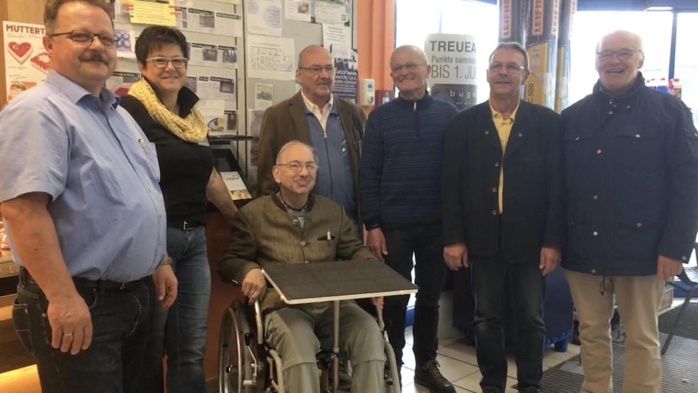 Freuen sich über das gelungene Projekt (von links): Günter und Brigitte Höfler, Karl Steger, Werner Seifert, Rudi Goppelt, Jürgen Stolz und Thomas Thill.