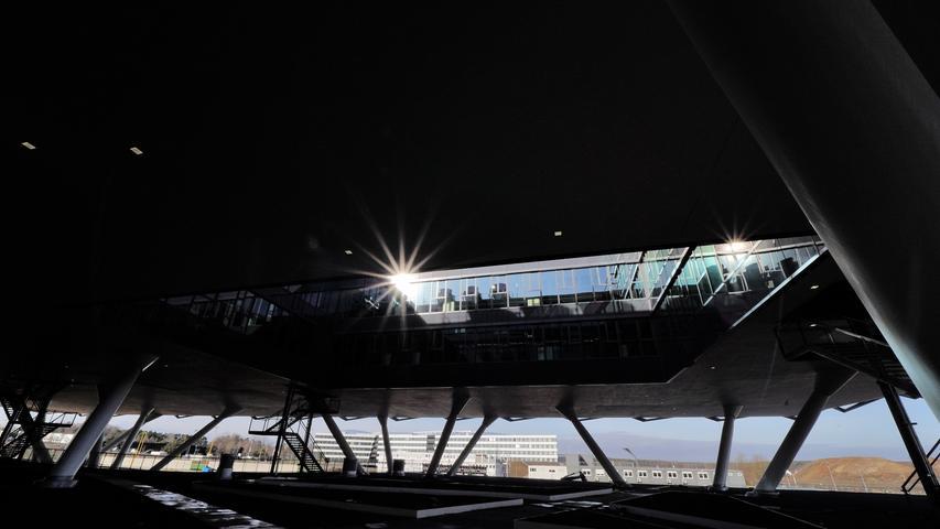 Motiv: Begehung adidas-Gebäude Arena, ADIDAS Zentrale Hauptsitz....Architektur....; Bürogebäude Arena - Außenansicht; Foto: (C) André De Geare fuer NN / Herzogenaurach / 080219..Urheberrechtlich geschuetzt, Veroeffentlichung nur nach vorheriger Vereinbarung..