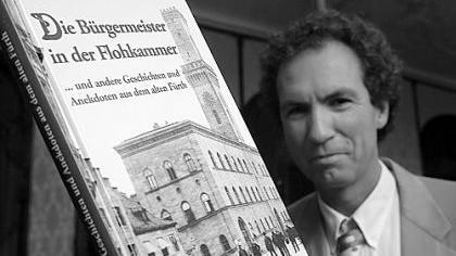 «Unterhaltsam und amüsant», verspricht der Buchdeckel. Alexander Mayer und sein Werk mit Anekdoten aus der Stadtgeschichte.