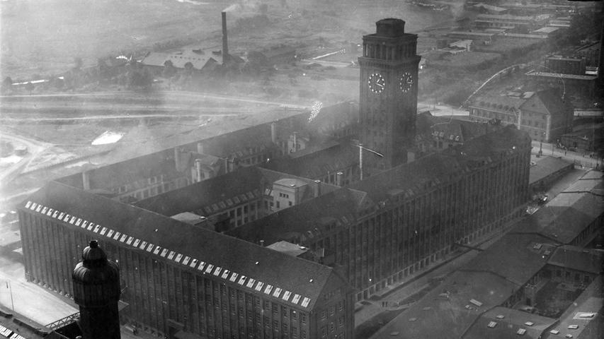 Nach dem 1. Weltkrieg liefen die Geschäfte gut - abzulesen nicht zuletzt am schnellen Wachstum der Siemensstadt in Berlin. Das Foto entstand um 1924.