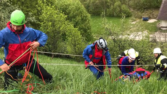 Dürrbrunn: Übungseinsatz von FFW und Bergwacht