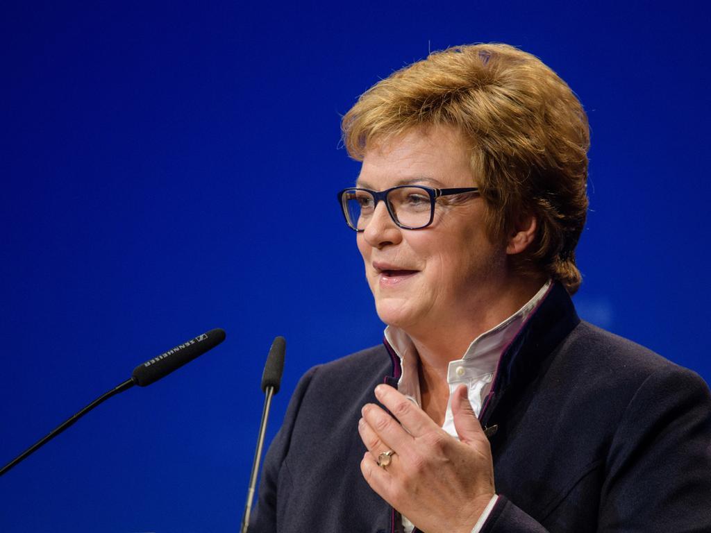 24.11.2018, Bayern, München: Monika Hohlmeier (CSU), Kandidatin für die Liste der Europäischen Volkspartei (EVP), spricht auf der Delegiertenversammlung zur Aufstellung der CSU-Liste zur Europawahl. Foto: Matthias Balk/dpa +++ dpa-Bildfunk +++ | Verwendung weltweit