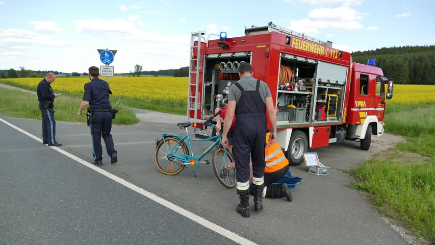 Wohnmobil erfasst Fahrrad: 81-Jährige stirbt auf der B470
