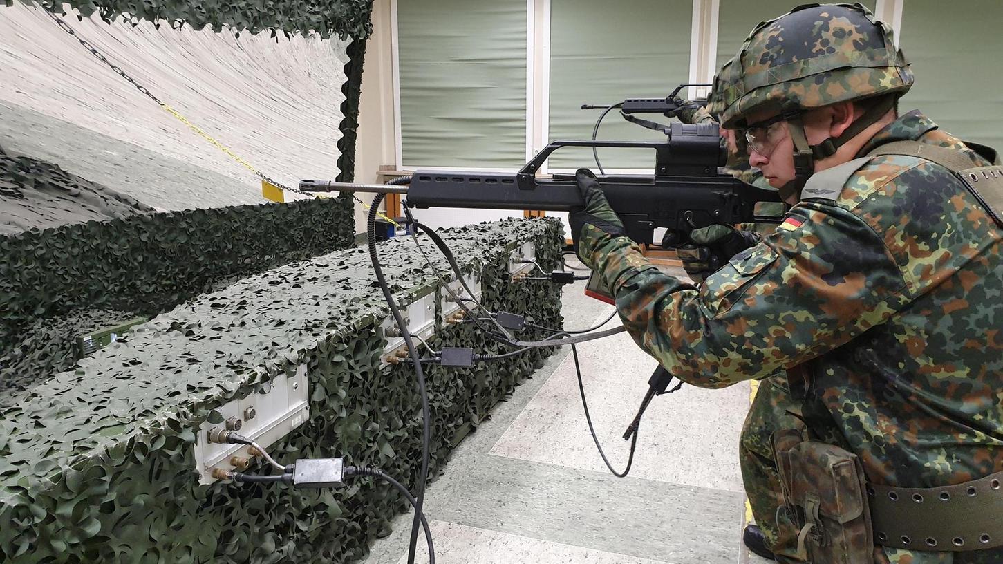 Schießtraining gehört zum Ausbildungskanon in der Kaserne in Roth. 2023 beginnt der Lehrbetrieb für die Offiziere.
