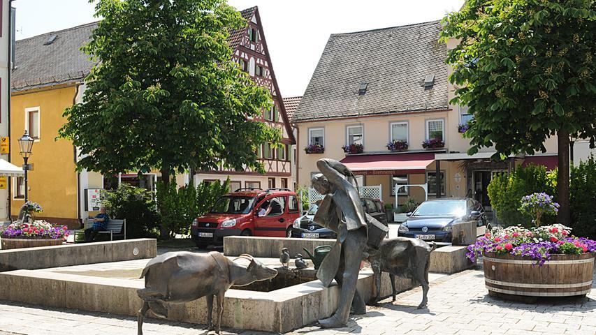 Redaktion:Forchheim..Fotograf:Athina Tsimplostefanaki..Motiv:Szenen aus der Innenstadt in Ebermannstadt..Datum:04.06.2019....