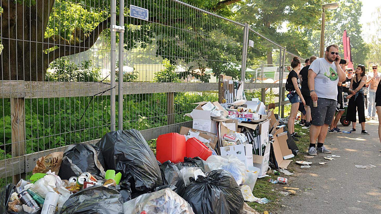 Zelte, Bierdosen und Platikdosen: Unmittelbar nach Rock im Park lag überall auf dem Festivalgelände Müll verteilt.