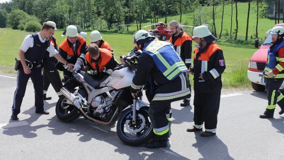 Motorradfahrer übersieht Kleintransporter: Kollision in der Oberpfalz