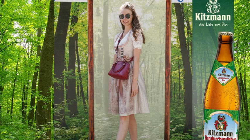 Mit kecker roter Tasche und Stickschürze gewann Carina Kroh 80 User-Votings.