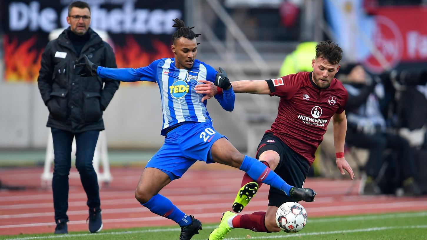 Ab sofort Teamkollegen: Eduard Löwen und Berlins Valentino Lazaro jagen nun gemeinsam dem Ball hinterher.