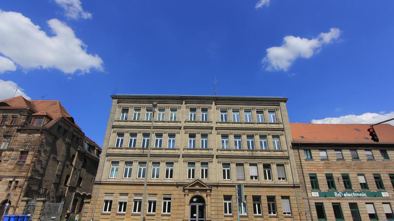 Im Schliemann-Komplex an der Königstraße könnte nach den Vorstellungen der Stadt mittelfristig ein vierter gymnasialer Standort entstehen.