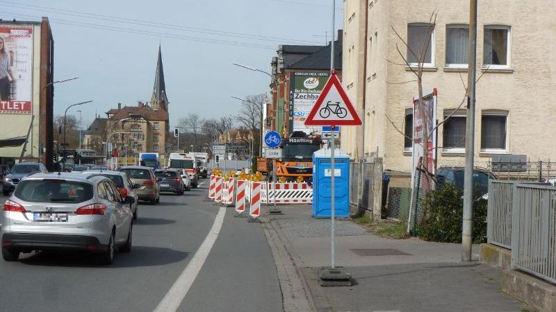 Wenn Baustellen anstehen, haben bei der Verkehrsleitung mitunter die Radfahrer auf verschmälerten Wegen oder in Mischverkehr das Nachsehen. Der ADFC Forchheim fordert, dass bei Straßen- und Baustellenplanung mehr auf Fahrradfahrer geachtet wird.