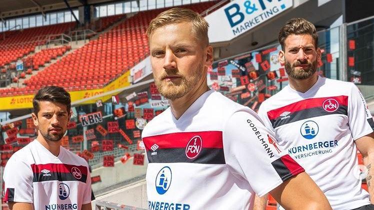 Ja simmer jetzt der VfB Stuttgart? Konkurrenz will der FCN dem Brustring-Klub  nicht nur im Aufstiegsrennen, sondern offenbar auch mit seinen Auswärtstrikots in der anstehenden Saison in Deutschlands zweithöchster Spielklasse machen. Schwaben ist Rot-Schwarz!
