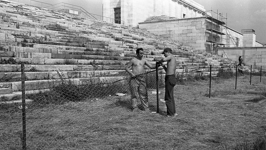 Die Sicherheitsvorkehrungen an der Steintribüne werden bereits in die Tat umgesetzt. Hier geht es zum Artikel vom 24. Juni 1969: