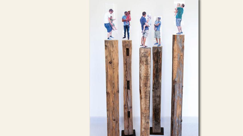 geb. 1959 in Bamberg lebt in Egloffstein Väterkreis (2018) 138 x 120 x 70 cm; 250 kg Öl auf Plexiglas auf Stele