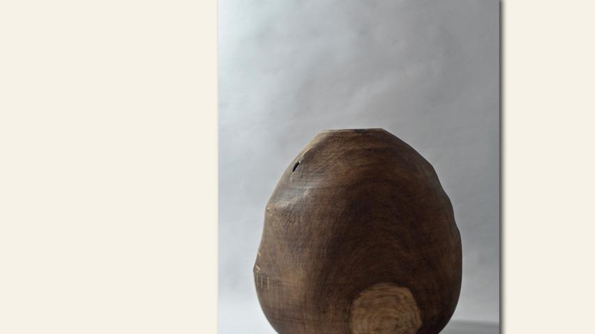 geb. 1976 in Roth lebt in Heideck Lukas I (2018) 60 x 60 cm, 3 kg Eiche, Objektgefäß
