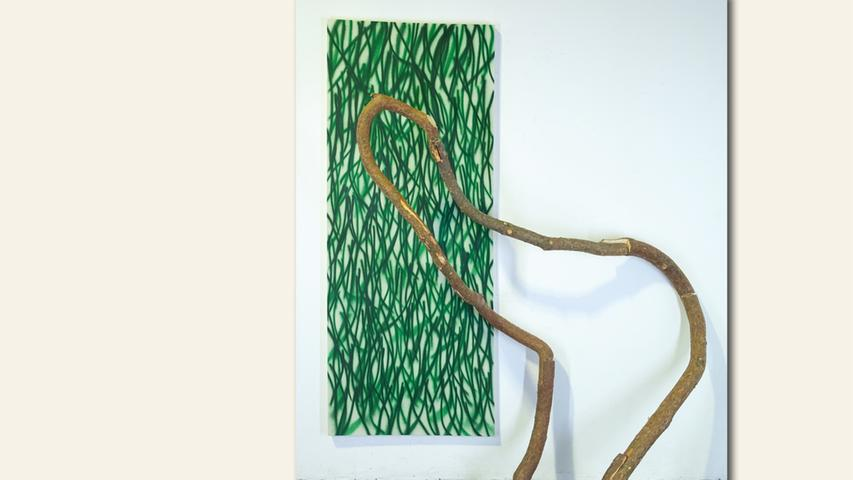 geb. 1988 in Nürnberg lebt in Nürnberg Kiefer (2019) 220 x 180 x 40 cm; 20 kg Acryllack auf Leinwand, Holz