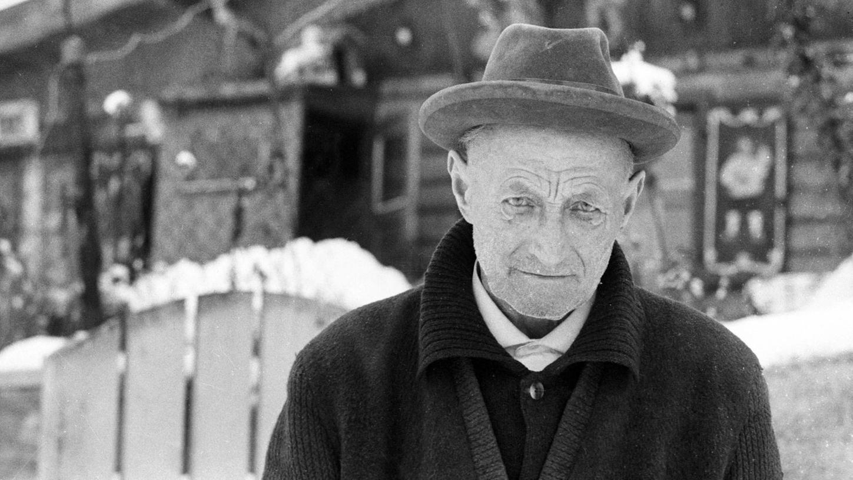 Johann Reichhart lebte in den letzten Jahren vor seinem Tod am Existenzminimum und wurde von seinen Mitmenschen gemieden. Der letzte Henker Bayerns versuchte seine karge Invalidenrente mit Hundezucht und der Herstellung von Seife aufzubessern.