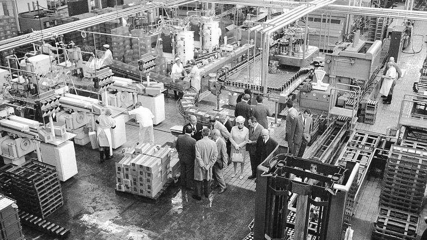 Was bei der Besichtigung der Bayerischen Milchversorgung am Wöhrder Talübergang durch die SPD-Fraktion am meisten auffiel: von der Milch war nichts zu sehen.  Hier geht es zum Artikel vom 1. Juli 1969:
