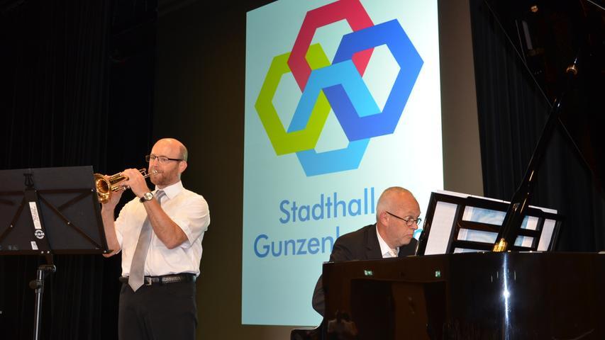 Martin Linck an der Trompete und Kirchenmusikdirektor Bernhard Krikkay am Flügel gaben dem festlichen Eröffnungsakt eine besondere Note.