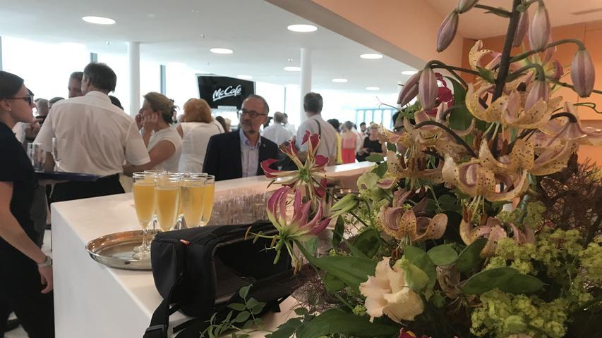 Blumenschmuck durfte bei der festlichen Einweihung des Gunzenhäuser Kulturtempels selbstverständlich nicht fehlen.