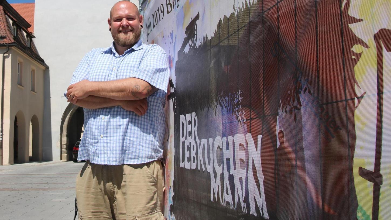 Archäologe, Hobby-Security und Lebkuchenmann-Kümmerer: Simon Sulk ist bei der Stadt der Verantwortliche für die Umsetzung des Theaterprojekts.