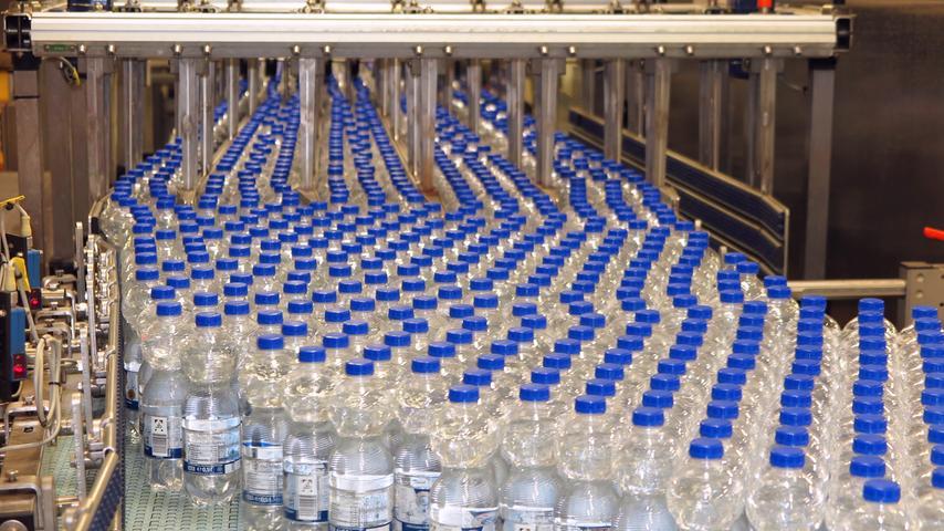 Wasser und Limo vom Band: So sieht es aus im Treuchtlinger Altmühltaler-Werk