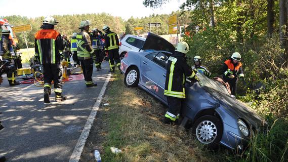 Unfall: Sechs leicht verletzte Personen bei Klebheim