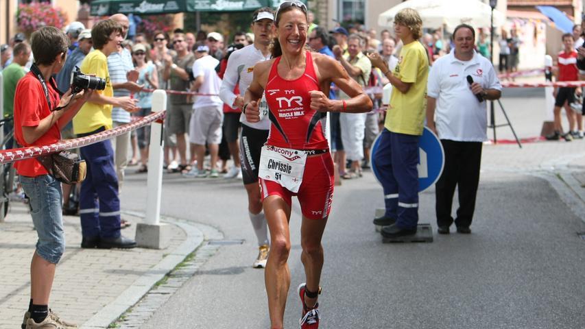 Was ist besser als eine Weltbestzeit? Die eigene Weltbestzeit verbessern. Chrissie Wellington (GBR) gewann 2010 in 8:19:13.